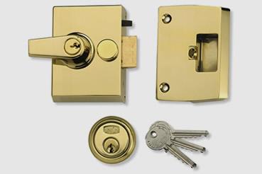 Nightlatch installation by Hampstead master locksmith